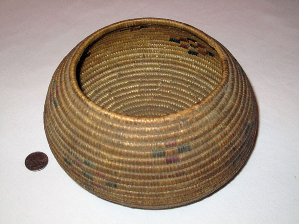 Mono Polychrome Basket