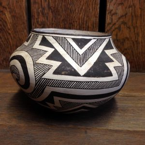 Rosemary Chino Acoma Pot